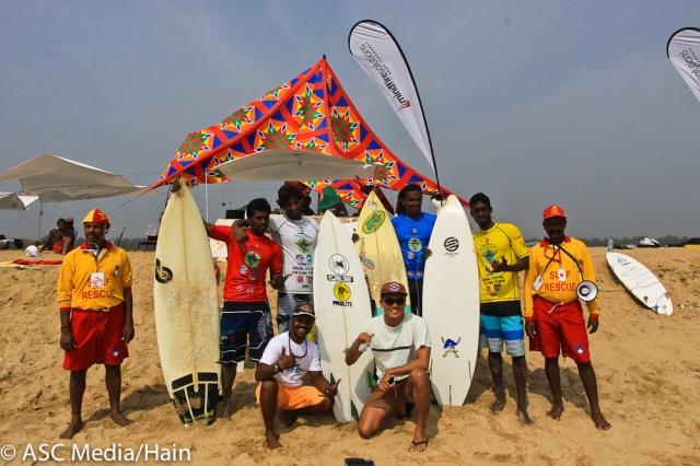 4 Finalists w Lifeguards n Tipi-5008
